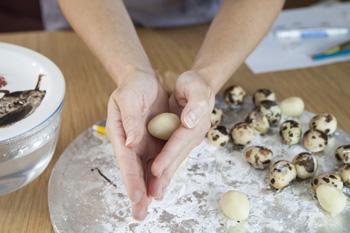 making quail egg for Basket illusion cake